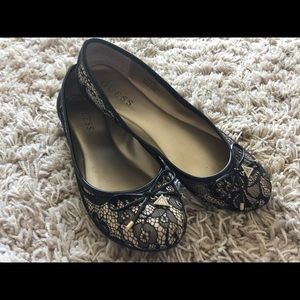 GUESS Flats - Size 8